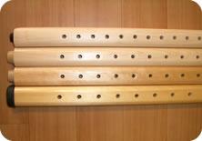 各メーカーのマッサージベッドの高さ調整脚の穴の間隔